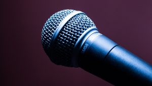 microphone-1716069_1280